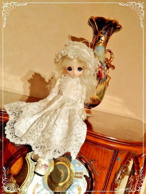 http://antique-museum.com/ajmblog/%40s_960bar2.jpg
