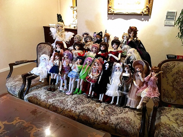 http://antique-museum.com/ajmblog/IMG_2353-1.jpg